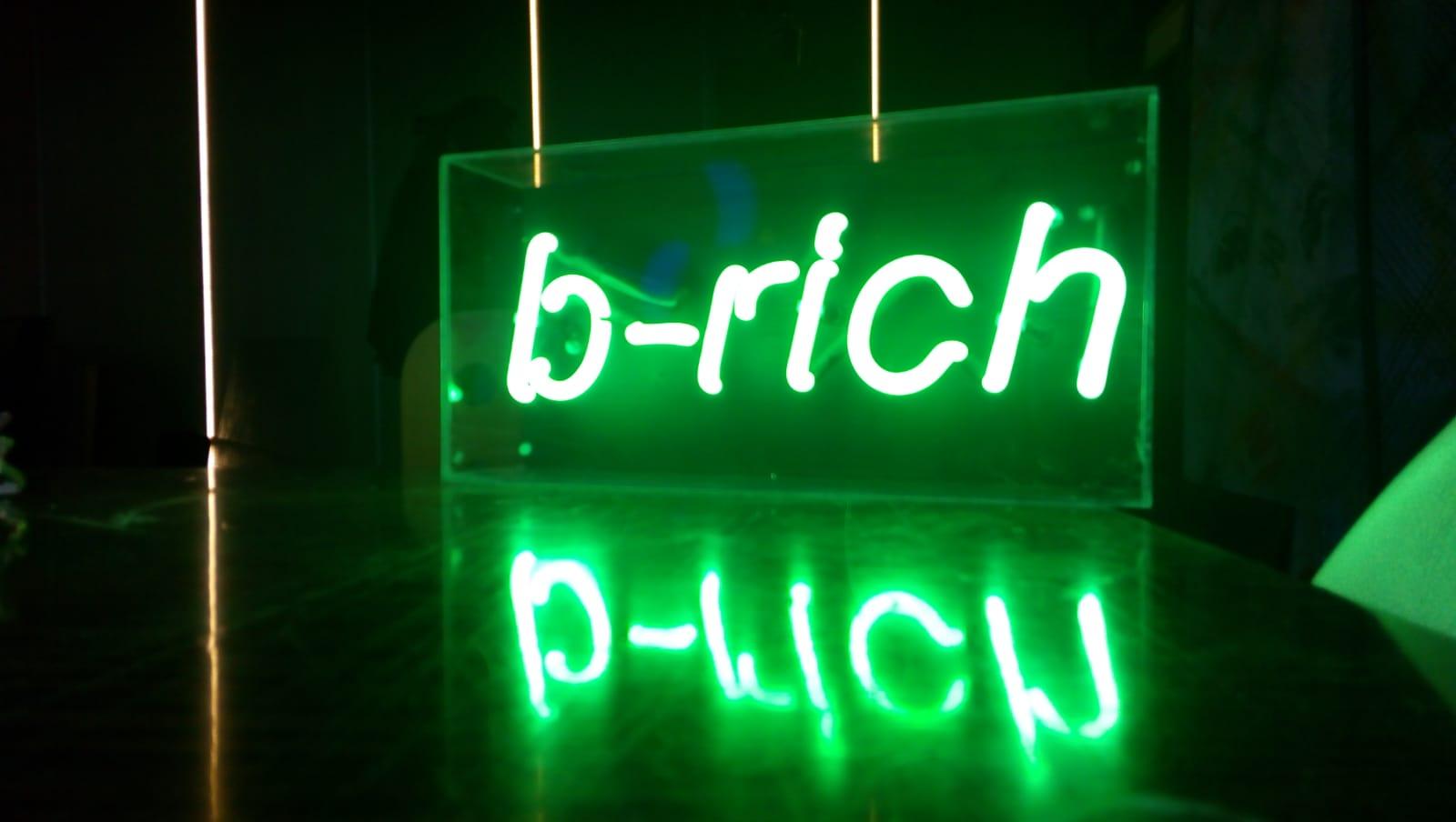B-rich - Neon-tabela (3)