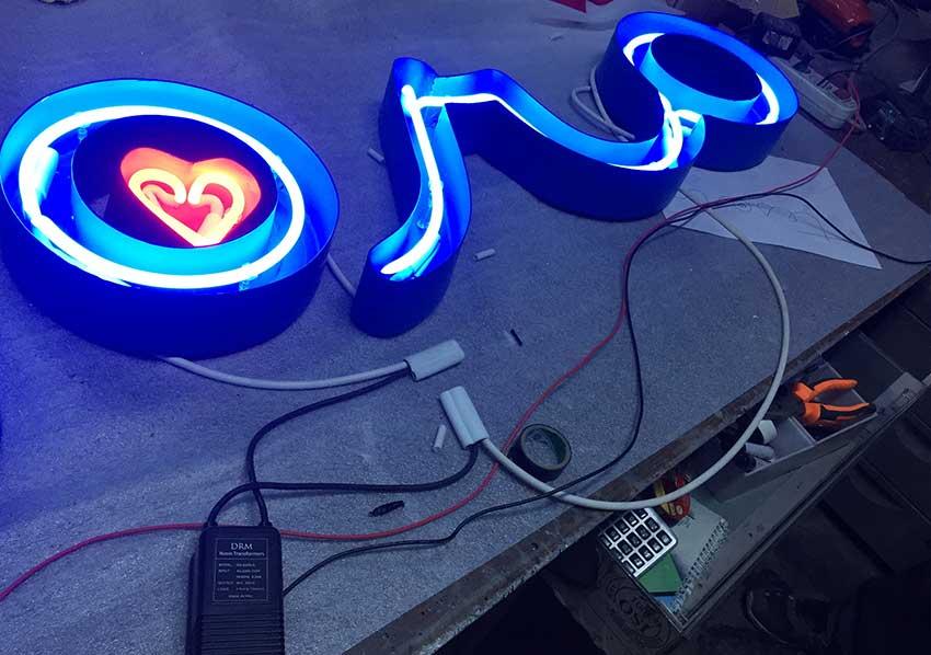 kutu-harf-ici-neon-tabela